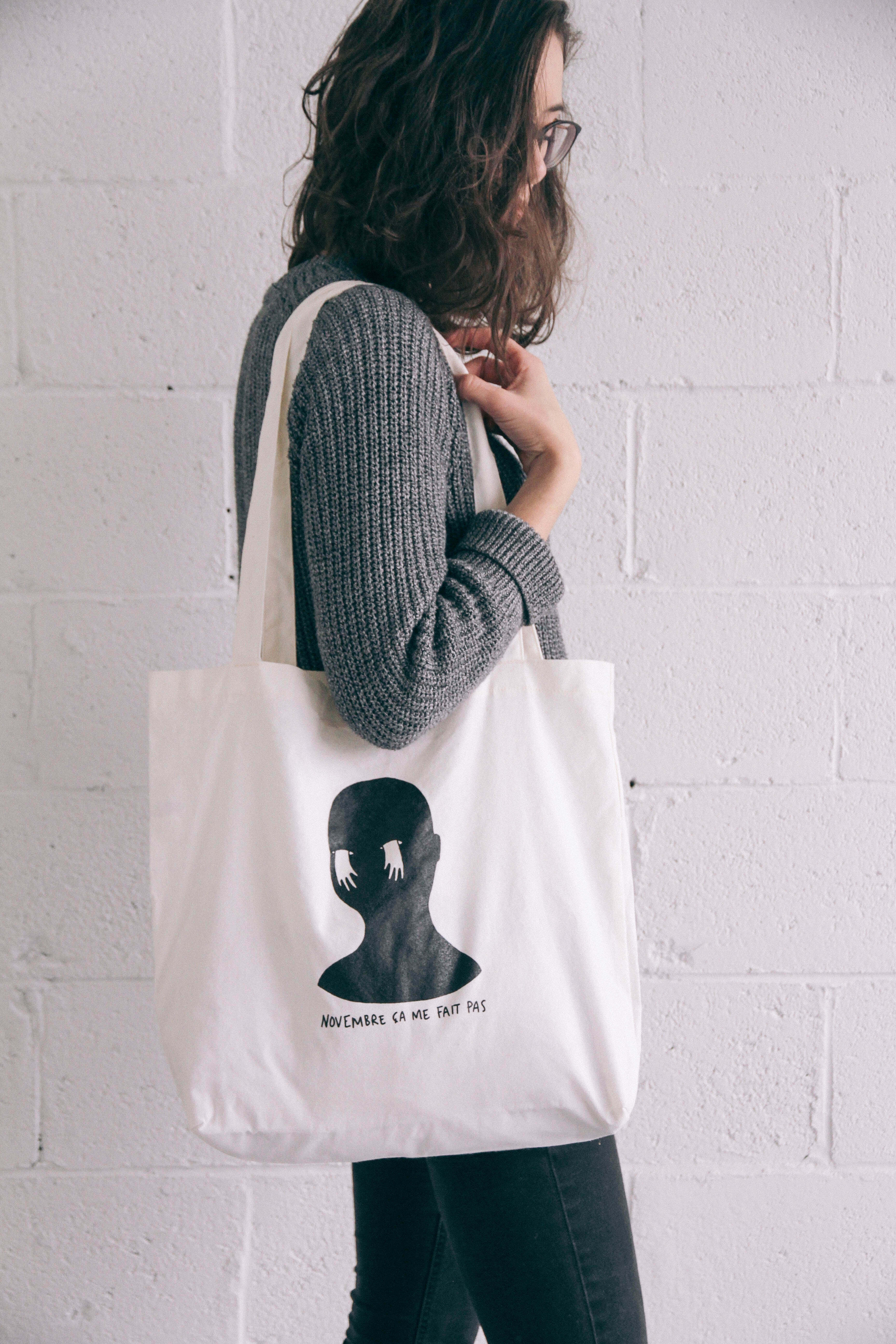 Ana-e-shop anaroy illustration eshop ecommerce portrait girl boutique en ligne namaste caliss breather brunette lentement plants lover white tee tshirt fashion local montreal_ tote bag november girl